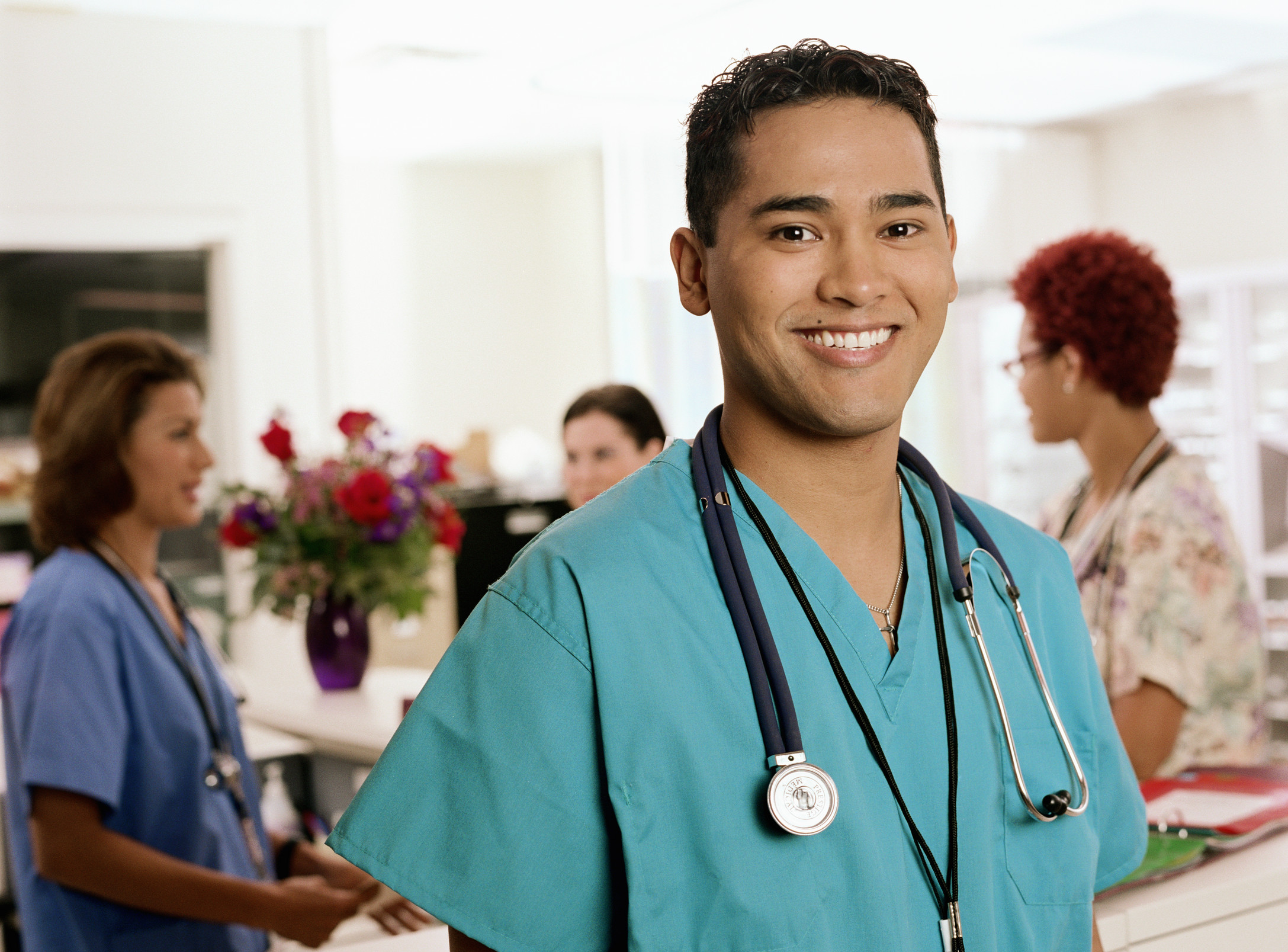 Why Men Should Consider Joining the Nursing Field